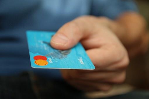 Koszty posiadania karty kredytowej