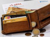 Karta kredytowa czy karta płatnicza – którą wybrać?